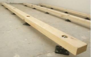 Как положить лаги на неровный бетонный пол?