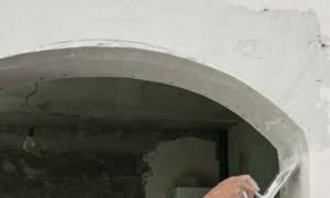 Как приклеить уголки на арку после обоев?