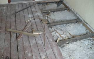 Как застелить ламинат на деревянный пол?