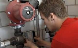 Как разобрать водяной насос отопления?