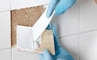 Как наносить клей на плитку на пол?