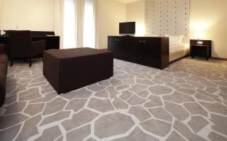 Какие бывают напольные покрытия для квартиры?
