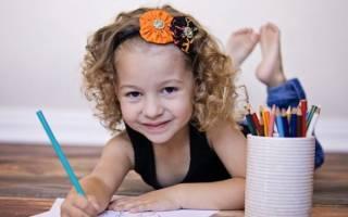 Как убрать цветной карандаш с обоев?