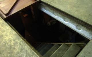 Как утеплить люк погреба в гараже?